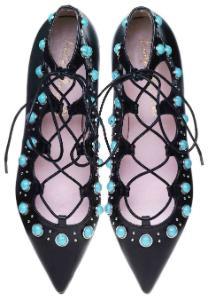 Pretty Ballerinas Lace-up-Ballerinas verziert mit Steinen und wellenfoermiger Borduere Uebergroesse