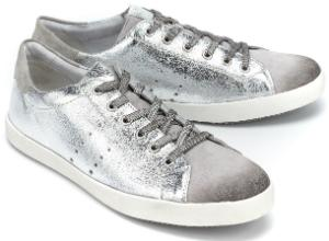 Silberne Damen-Sneaker aus genarbtem Metallic-Leder in Uebergroessen