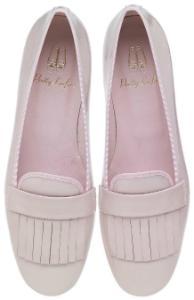 Pretty Loafers Lackleder Fransenbesatz auf der Vorderkappe Rose Uebergroesse