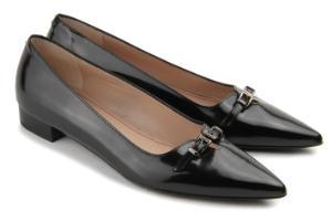 Loafer mit einem Riegel auf der Vorderkappe und poliertem Metall-Detail Schwarz Uebergroesse