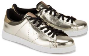Sneaker Leder glaenzendes Finish Gold Uebergroesse