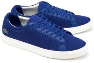 Blaue Sneaker aus strukturiertem Textil mit Leder-Details von Lacoste in Uebergroessen