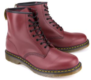 Dunkelrote Doc Martens Boots in Groesse 50