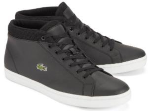 Schwarze Sneaker im typischen Retro-Look von Lacoste in Uebergroesse