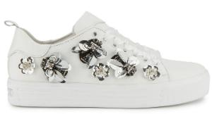 Luxus Sneaker mit metallischen Blueten und Plateausohle von Kennel und Schmenger in Uebergroessen Weiss