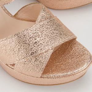 Sandale in Übergrößen