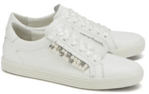 Weisse Kennel und Schmenger Sneaker in Uebergroessen mit seitlichen Perlen-Applikationen