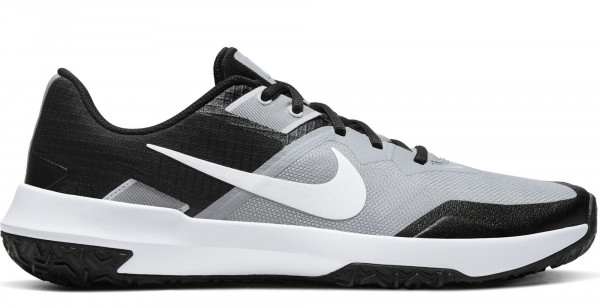Nike Varsity Compete TR 3 in Übergrößen: 9108-20