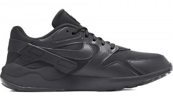 Nike in Übergrößen: 9621-29